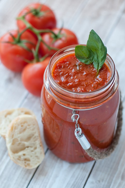 Nonna approved tomato sauce or sugo