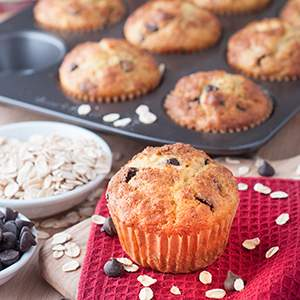 Easy Oatmeal Dark Chocolate Chip Muffins
