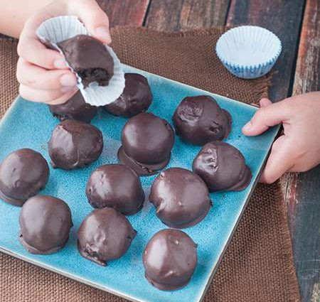 Dark Chocolate, Pecan & Cream Cheese Truffles