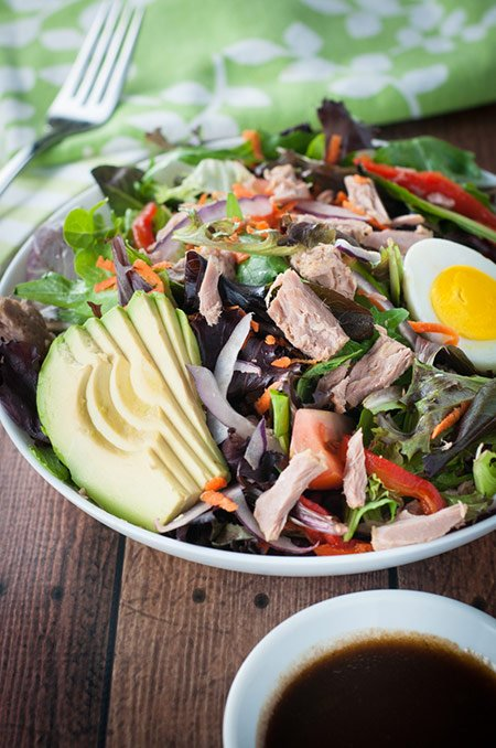 Tuna, Avocado and Spring Mix Salad